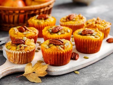 Ванилови мъфини с тиква, орехи и масло - снимка на рецептата